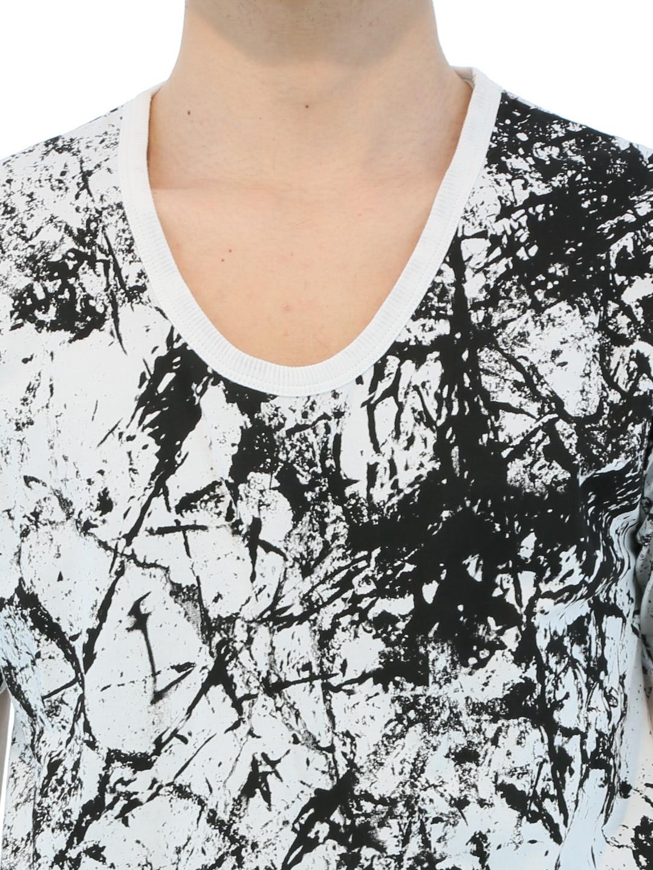 SHELLAC 天竺グラフィックVネックTシャツ