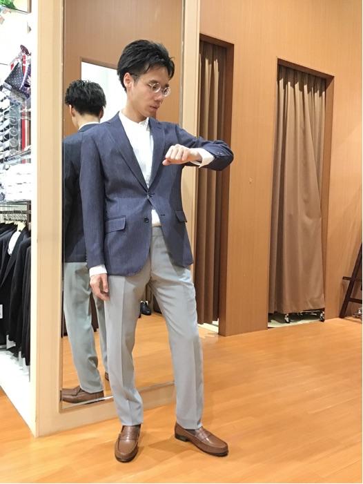 春の新作コーディネート2パンツスーツのご案内