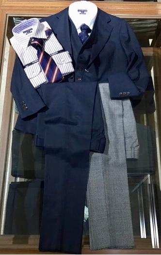 新作スーツ!