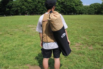 専用バックに収納し、どこにでもラクに持ち運びOK。